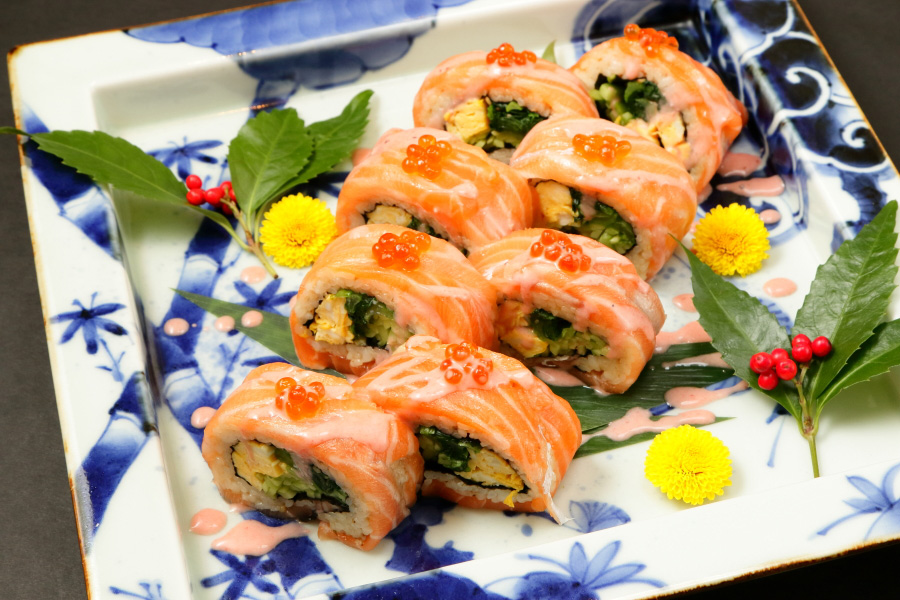 Broiled trot salmon roll
